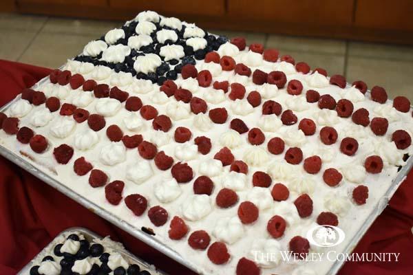 A cake that looks like the American flag.