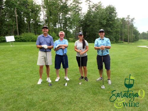 men and women golf group